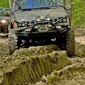 Jeep pe sleau