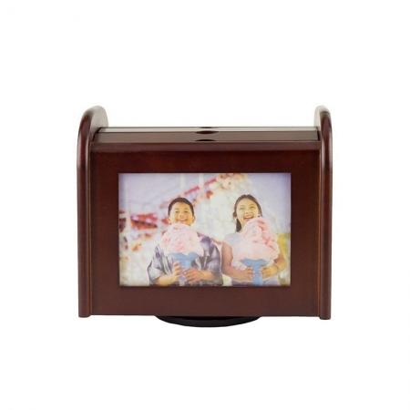 Album foto lemn, 9x13, 96 poze, tip rama, personalizabil, suport rotativ