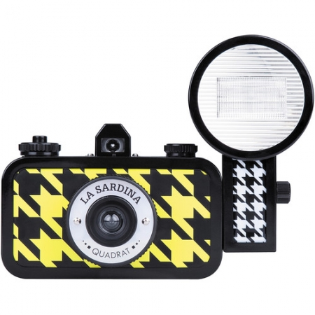 Lomography La Sardina Quadrat - aparat foto film cu blitz