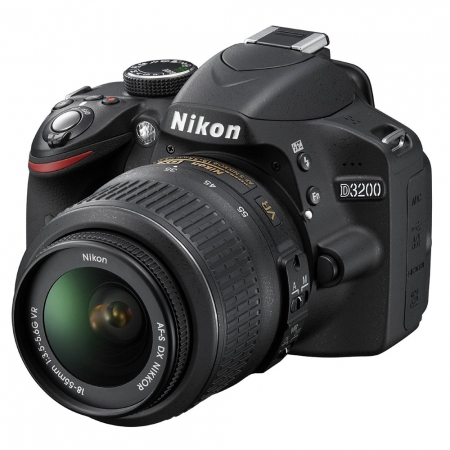 Nikon D3200 kit AF-s DX 18-55mm f/3.5-5.6G VR