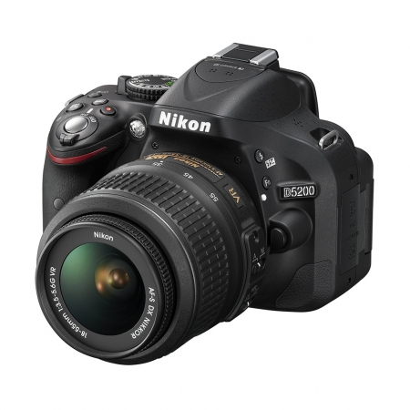 Nikon D5200 kit 18-55mm VR AF-s DX Negru - RS1053407