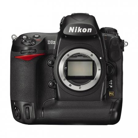Nikon D3X body - Full Frame 24.5 MPx, 5 fps, LCD 3 inch