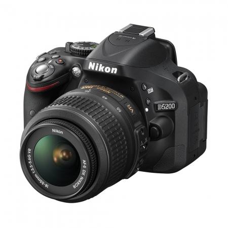 Nikon D5200 negru + AF-S DX 18-55mm f/3.5-5.6 G VR