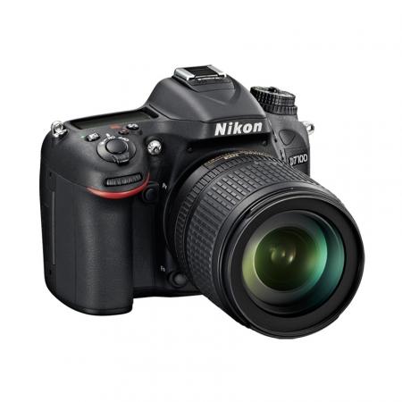 Nikon D7100 kit AF-S DX Nikkor 18-105mm VR