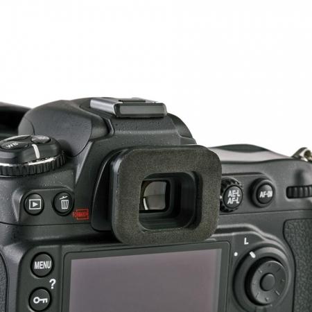Think Tank EP-N - ocular pentru folosirea DSLR-ului Nikon D7000 cu husele de ploaie Hydrophobia