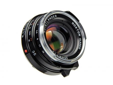 Voigtlander Nokton 35 mm f/1.4 M.C. (baioneta Leica M, multi coated, negru)